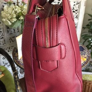 JustFab Bags - Burgundy nice leather satchel/shoulder 👜👍🏼❤️